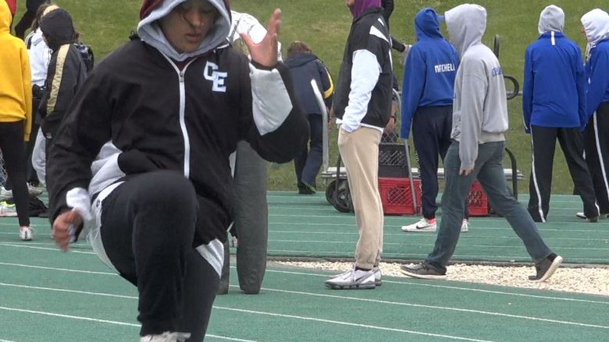 Cheyenne East's Taliah Morris tries to stay loose during day two of the Wyoming state track and...
