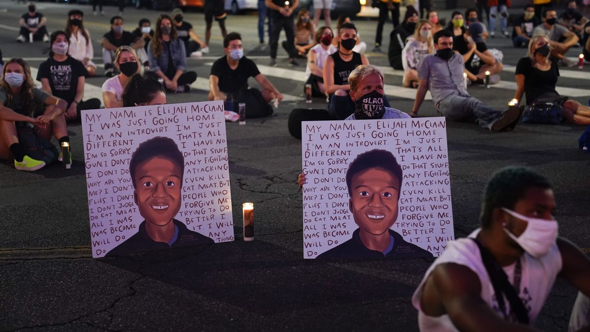An investigation into the arrest of Elijah McClain in suburban Denver criticizes how police...