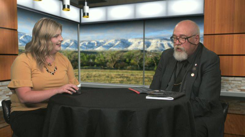 Dave Rollins meets with Bobbee Russell in the studio on Sept. 16