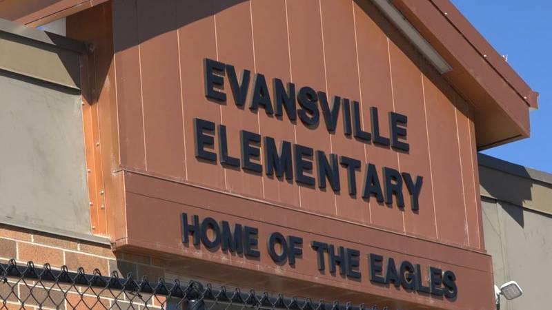 The outside of Evansville Elementary School