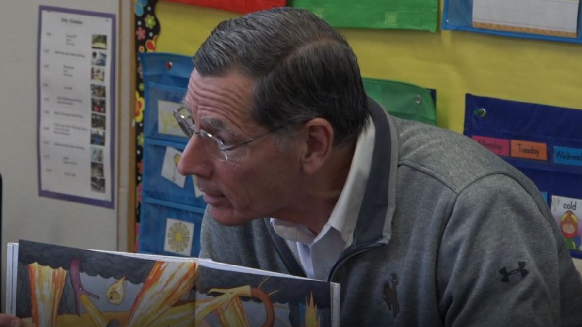 Sen. John Barrasso, R-Wyoming, reads to Head Start students in Casper, Wyo. on Thursday, Oct. 10, 2019.