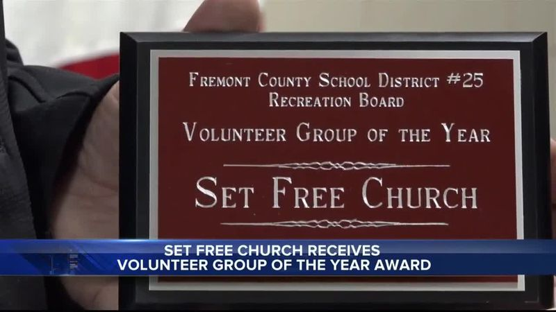 volunteer award presented at FCSD#25 board meeting