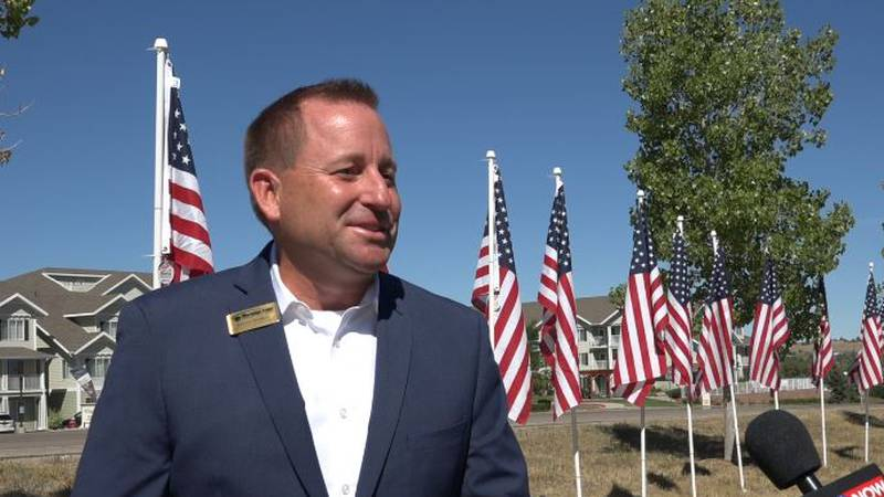 Meridian bank kicks off Flags for Heroes and Honk for Heroes.